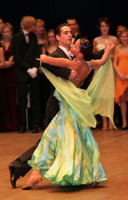 Нажмите на изображение для увеличения Название: Ballroom_dance_exhibition.jpg Просмотров: 17 Размер:39,9 Кб ID:52877