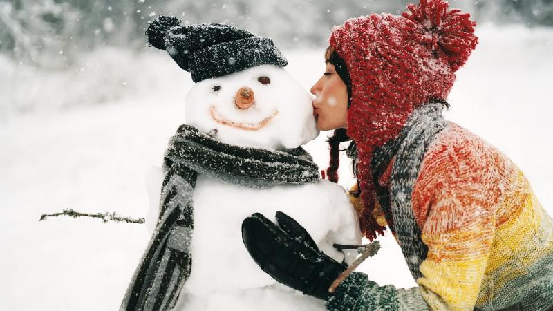 Нажмите на изображение для увеличения Название: kissing-the-snowman-1920x1080-wallpaper-4157.jpg Просмотров: 15 Размер:64,1 Кб ID:54517
