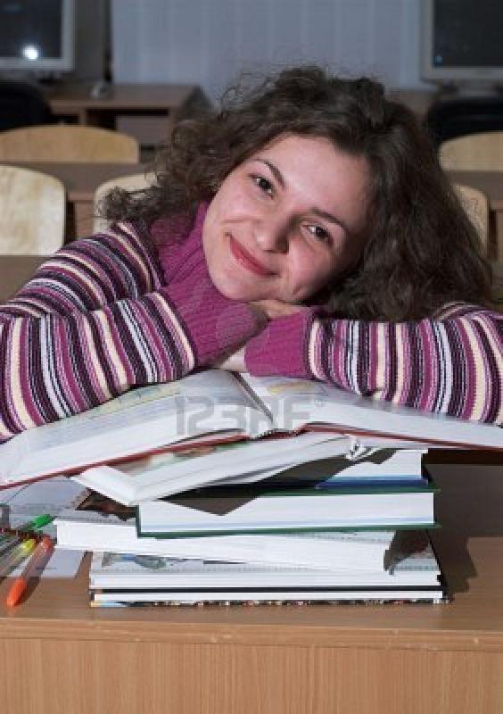 Нажмите на изображение для увеличения Название: 2177544-young-female-student-is-lying-on-a-stack-of-books.jpg Просмотров: 25 Размер:63,0 Кб ID:55194
