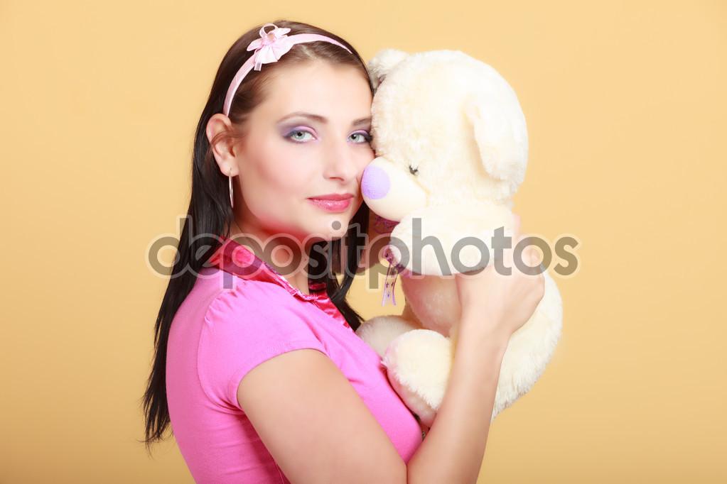 Нажмите на изображение для увеличения Название: depositphotos_57704311-Childish-young-woman-infantile-girl-in-pink-hugging-teddy-bear-toy.jpg Просмотров: 28 Размер:104,7 Кб ID:76243