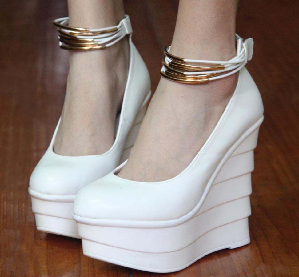 Нажмите на изображение для увеличения Название: Women-s-shoes-single-shoes-brief-pleated-font-b-wedges-b-font-sexy-bandage-platform-high.jpg Просмотров: 14 Размер:64,8 Кб ID:81591