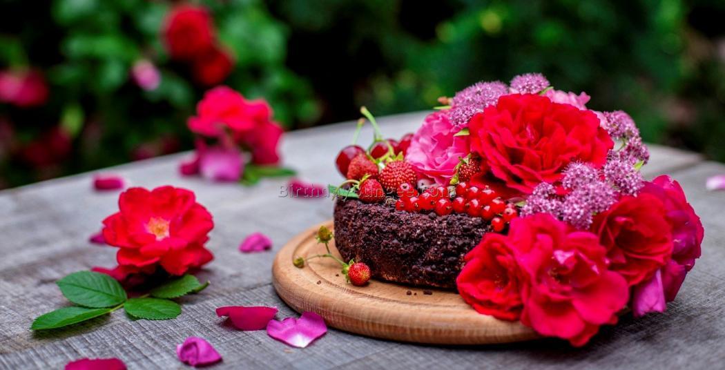 Нажмите на изображение для увеличения Название: birthday-cake-and-flowers-7.jpg Просмотров: 16 Размер:75,7 Кб ID:81967
